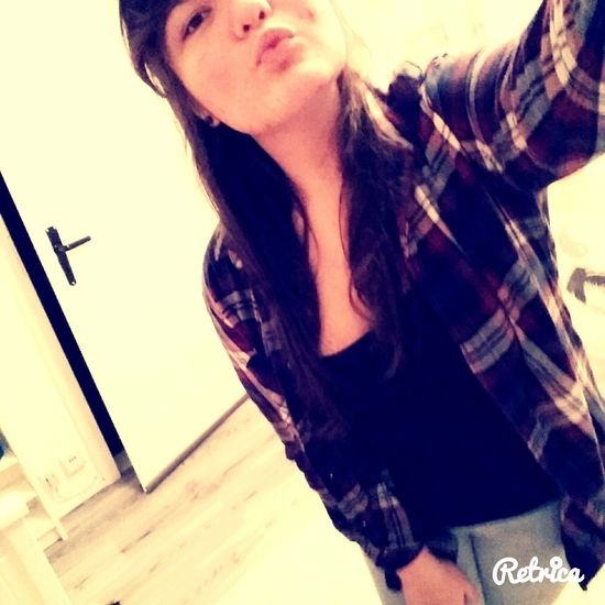 Me In My Room Standing Kissing Kiss @.@ Hemd Pretty Boring Day Monday December Winter