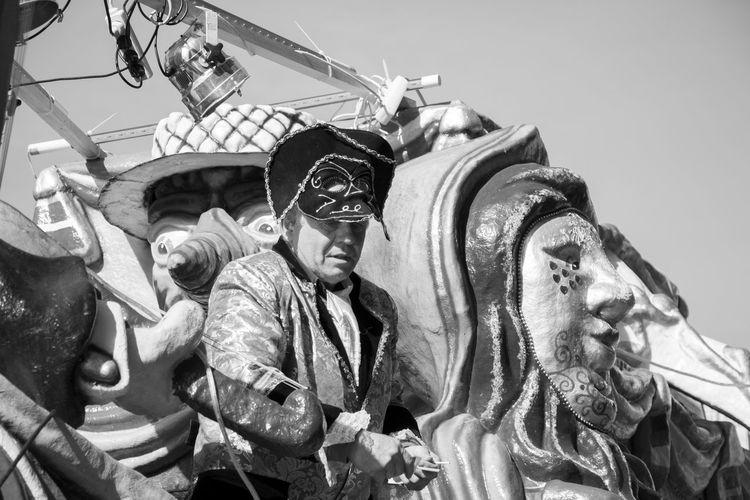 Outdoors Only Men Sad Face Carnaval Carnival Mask Behind The Mask Men Sadness Masked People, Maskedportraits Masked Masked Man Masks Decor