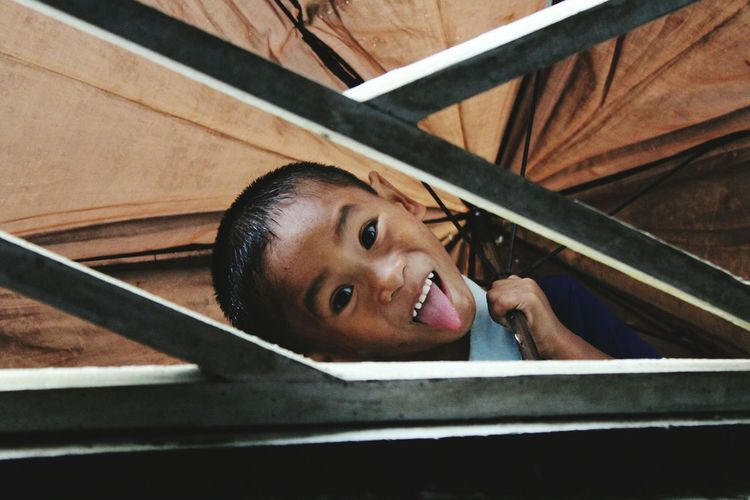 Say tooonngguuee!! Heheheh Headshot Close-up Child Boy Playing With Children Getoutside Children Lifeofadventure Having Fun :) The Week On EyeEm
