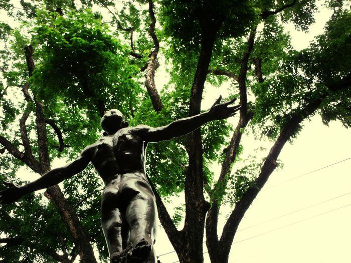 Oblation- University of the Philippines . Art Statue