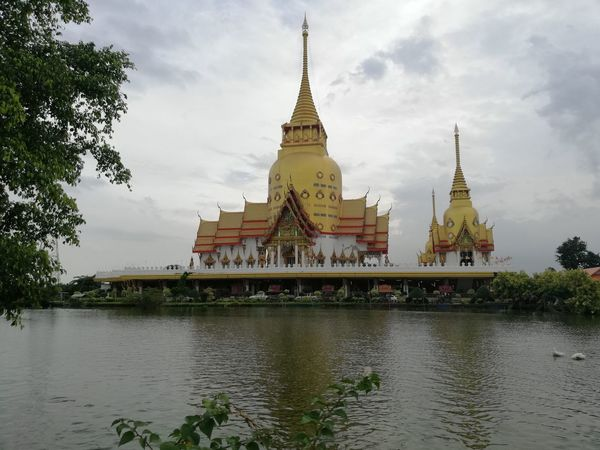 Thai Temple Buddhist Temple BUDDHISM IS LOVE City Place Of Worship Statue Gold Religion Spirituality Cultures Pagoda Palace Sculpture Sculpted Idol Carving Art Ancient Buddha Civilization Praying