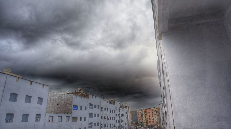 Too much Rain ☔ 💦 ⚡ ☁ ⛈️🌨️🌩️🌦️🌧️💘 Diary Of A Pluviophile Pluviophile Cloudy Extreme Cloudporn Dramatic Sky Rainy Days Cloudy Day Extreme Weather Storm Cloud Storm Sky HDR Furious Nature Skyquake God Is In The Rain God Is An Astronaut God Is An Alien Alien Invasion Alien Message Clouds And Sky Cloudscape Streetphotography City Life