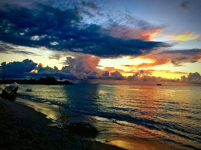 JeanneRotaMatthews EyeEmNewHere Sunset Sea Sky Scenics Water Beauty In Nature EyemVison Eyeembeachlover EyeEmCaribbean Cloud - Sky Tranquil Scene Nature Tranquility Beach Silhouette Idyllic Reflection No People Sun Sunlight Outdoors Horizon Over Water Travel Destinations