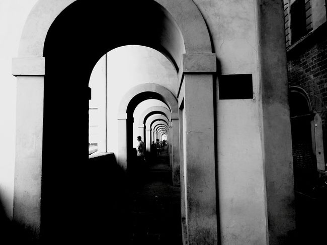 Optical candy Arch Architecture Built Structure Indoors  Archway History Day Cityview City Urban EyeEm Gallery Cityscenes Italy Backgrounds Best EyeEm Shot Architecture Monochrome Photography Monochrome Florence Classic Elegant Outdoors Sun People Travel Destinations