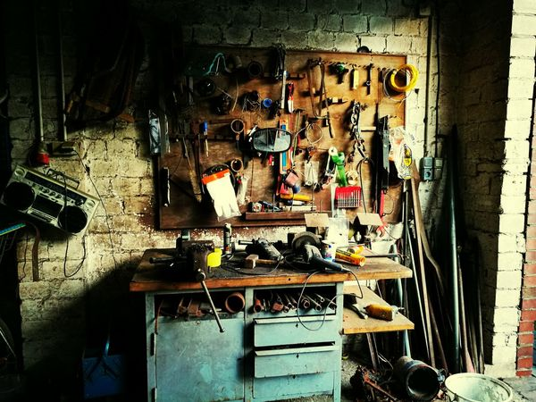 Workshop Hanging Work Tool Indoors  No People Auto Repair Shop Toolkit Tooltime Manpower Schattenplan Saw Hammer Werkbank Tools Tool Large Group Of Objects Werkzeug Bicycle Shop Autowerkstatt Repairing