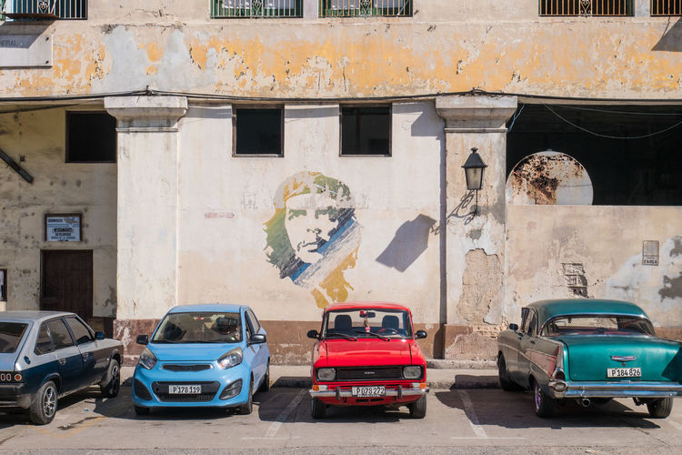Cars Cuba Havana Road Architecture Building Exterior Built Structure Car Che Guevara Grafitti Land Vehicle No People Street Transportation