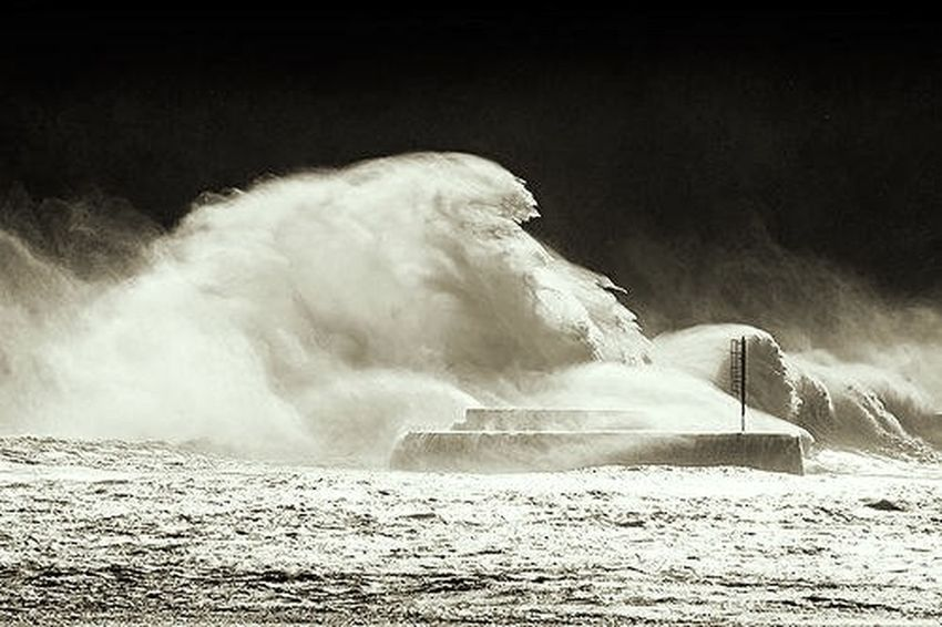 Storm Coast Basque Danger Night Waves North Of Spain Nightphotography Capture The Moment