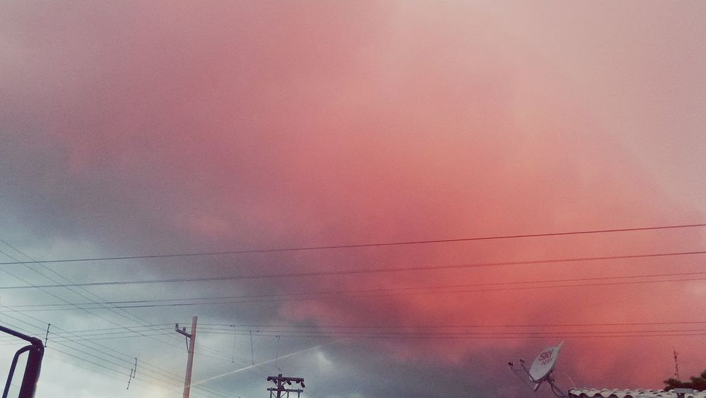 Indoors  Nature Sky And Clouds Cloud Formations Pink Clouds Grey Clouds Sky Photography Sky Colours Nature Photography Nature Textures Natural Colors Pink Sky First Eyeem Photo Beauty In Nature Dramatic Sky