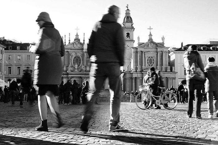 •• Piazza San Carlo 📍•• Lunga 168 metri e larga 76, la piazza ha una superficie di 12'768 metri quadrati. È inserita all'interno dell'asse viario dia Via Roma, che la collega a Piazza Castello e a Piazza Carlo Felice. Torino Torinodigitale Torinodigitale Igerstorino Torinoélamiacittá Ig_torino Instatorino Torinocasamia Turin Turinguide Fermatato Volgotorino Volgoitalia Igerspiemonte Igersitalia Turismotorino Piazzasancarlo