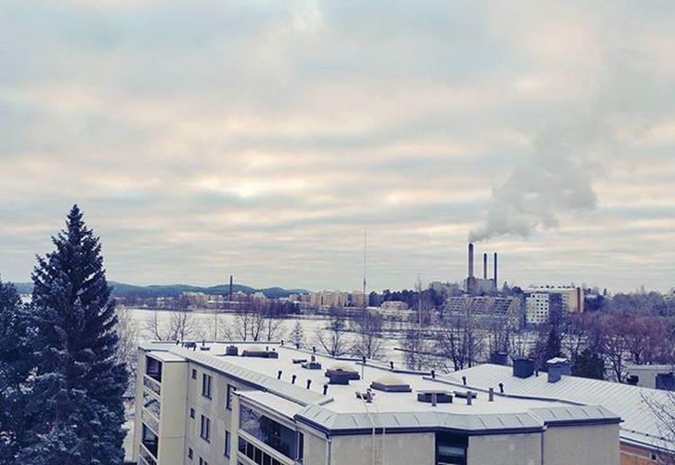 Last balcony pic 😢 Kiitos näistä vuosista, mutta tää oli nyt tällä taputeltu! Oldhome Lastpic Kuopionlahti Haapaniemi Kuopio Finland Nature Landscape Lake Lakeview Balcony Uusivuosiuudetkujeet