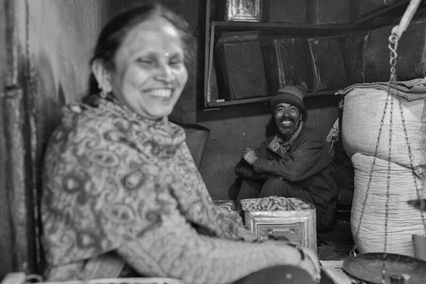 The first real day in Darjeeling is over and I changed my plans to do a trip into nature. The people here are just too great and there is so much to see. Also this place reminds me a little bit of Nepal. Monochrome EyeEm Best Shots Traveling Portrait India The Traveler - 2015 EyeEm Awards