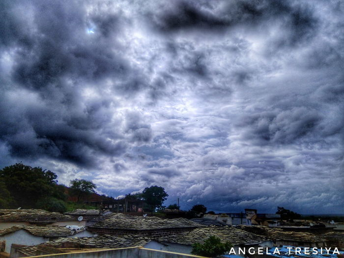 Cloud - Sky Dramatic Sky Sky Storm Storm Cloud Outdoors Nature Thunderstorm HDR Hdr_captures HDR Collection HDR Streetphotography Hdrphotography Phoneography Illuminated Cityscape Travelphotography Traveldiaries Travel Destinations Backgrounds