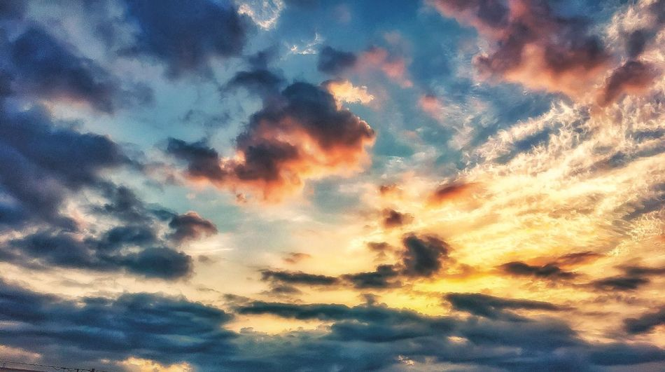 Beauty In Nature Cloud - Sky Nature Sky Sunset Low Angle View Scenics Dramatic Sky Tranquility Backgrounds Atmospheric Mood Tranquil Scene Majestic No People Sky Only Idyllic Awe Outdoors Full Frame Silhouette