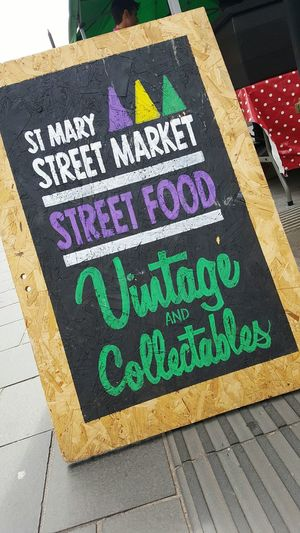 Sign Signwriting Calligraphy Street Photography Street Market Market Blackboard  Chalkboard Vintage Collectables Street Food Dramatic Angles Thecolorofbusiness