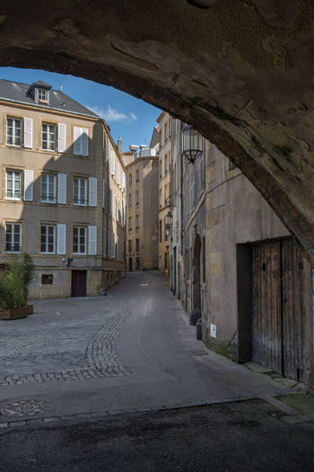 Altstadt Architecture Building Building Exterior Built Structure City Day Diminishing Perspective Gasse Metz, France Old Town Outdoors Residential Building Sky Street The Way Forward Town