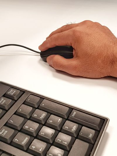Click right Gaming Black Internet Communication Office Desk White Keyboard Computer PC Numpad Numeric Keypad Mouse Wired Click Hand Right Palm White Background Wireless Technology Human Hand Close-up Body Part Using Computer Surfing The Net E-mail Finger Computer Mouse Computer Keyboard Desktop Pc