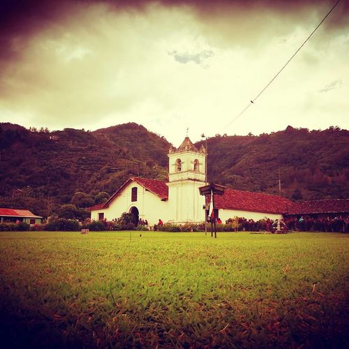 Building Exterior Built Structure Architecture Outdoors Grass No People Sky Church Church Architecture Colonial Architecture Colonial Colonial Style Colonial Style Buildings Costa Rica Costa Rica Y Su Naturaleza Orosi