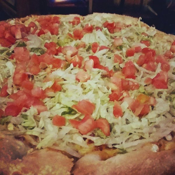 It's a BLT pizza! Foodporn Bullfrogs Cheatday