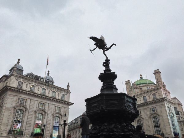 EyeEm LOST IN London Animal Themes Animals In The Wild Architecture Bird Building Exterior Built Structure City Cloud - Sky Day Dome Flying Low Angle View No People Outdoors Sculpture Sky Spread Wings Statue Travel Destinations