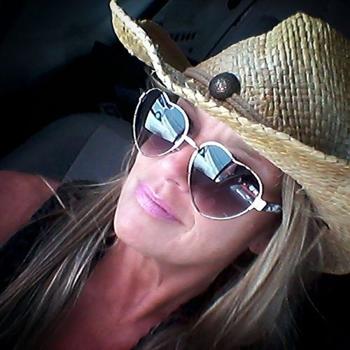Cowboy Hat Straw Hat Heart Glasses  Pink Lipstick  Beautiful Woman Young Women Headphones Women Close-up Lipstick Lip Gloss In-ear Headphones Sunglasses