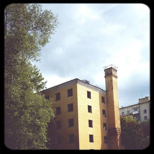 Building Abandonedbuilding Brokenwindows Brick Chimney