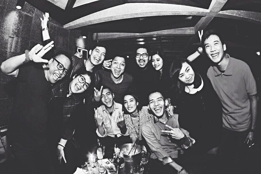 CrazyPeople Hanging Out Saturdaynight Best Frends Enjoying Life Vscocam
