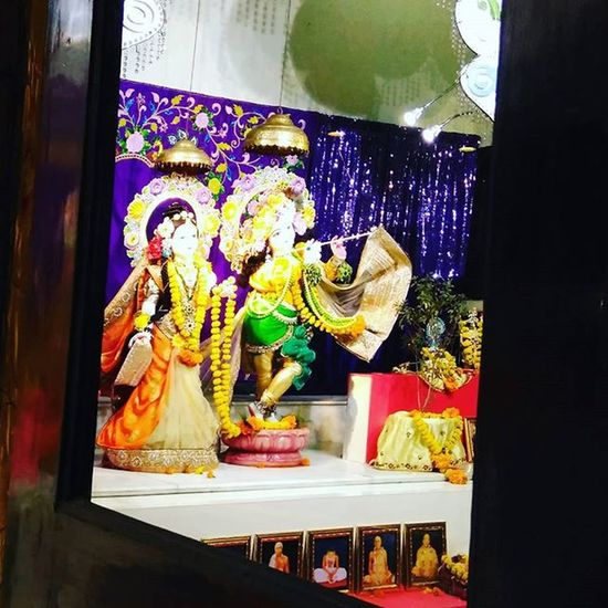 The Reflection of RadheKrishan Isckontemple Nagpur Nagpur_boys_nd_girls_shoutout Empresscity Empressmall Divine Hareram Harekrishana