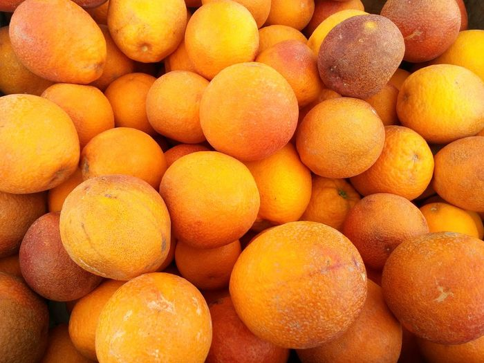 Bottomless pit of delicious blood oranges. Sweet Citrus Fruits Fruit Harvest Spring Summer All Natural Farmers Market Blood Orange Oranges Healthy Delicious Bounty Summer Harvest Farmstand Healthy Eating Healthy Lifestyle Health Food Organic Food Organic High Angle View