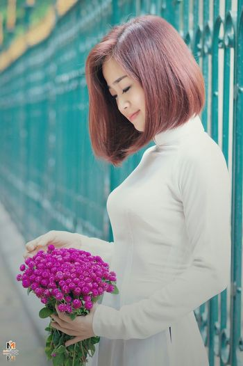 Taking Photos Enjoying Life áo Dài ❤ AodaiVietNam ❤️ Ao Dai Taking Photos Cheese! Girls Relaxing Hello World facebook me: fb.com/smiliefotografer