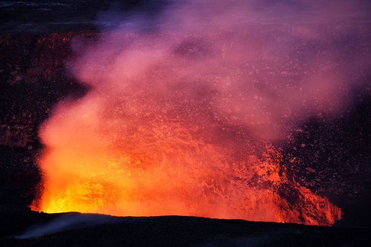 Erupting Volcano Lava No People Power In Nature Vulkanausbruch Exploding Geology Active Volcano Danger Heat - Temperature Physical Geography Nature Night Mountain Beauty In Nature Sky Hawaii Big Island Hawaii Volcanoes National Park Kilauea Volcano Kilauea Fire Close-up Vulkan