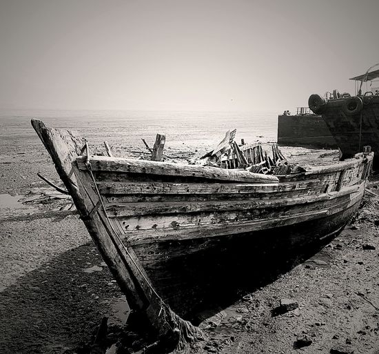 Old And Charming Mumbai Canon EyeEm Best Shots Moodsetter Greyscale Vintage Broken Boat Old Good Days