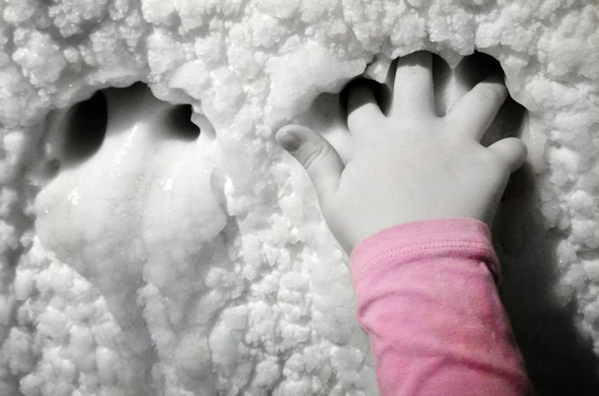 Human Body Part Winter Close-up Child Cold Temperature One Person Ice Age Iced Ice Human Hand Nature People Outdoors Outdoor Pictures Outdoor Photography Monochrome _ Collection Taking Photos Colorkey Blackandwhite Photography Childhand Black & White Light And Shadow Rosa Pink Mypointofview