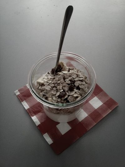 Cereals with raisins for breakfast