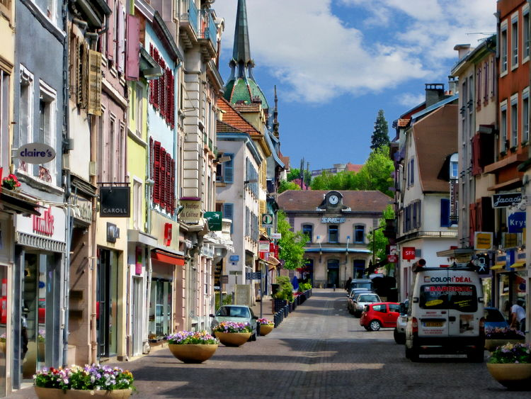 Street scene in Montbéliard, France Cars France Montbéliard, France Road Architecture Building Exterior Built Structure City Cloud - Sky Day No People Outdoors Residential Building Sky Street Streetphotography Town Transportation Village