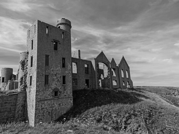 Slains Castle in Scotland....i visitet it by Night... its sooooooooo unspeakable Atmosphäre there.... Dracula EyeEm Best Shots EyeEm Gallery Scotland Abandoned Ancient Bram Stoker Bw_collection Castle Cloud - Sky Day Eye4photography  History Land Nature No People Old Outdoors Ruined Scottish Highlands Sky The Past Travel Travel Destinations Water Summer Road Tripping The Traveler - 2018 EyeEm Awards The Great Outdoors - 2018 EyeEm Awards The Architect - 2018 EyeEm Awards My Best Travel Photo British Culture