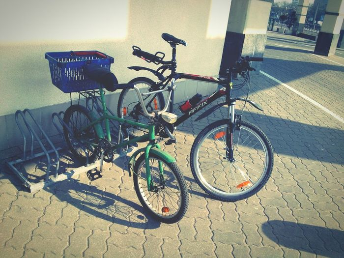 Looking Into The Future Bikes Bmx  MTB Oldschool Old Old Meets New Bike Parking Old Bmx Oldtimer