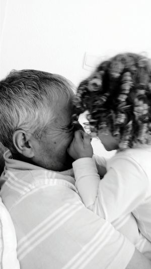Se faire mener par le bout du nezLove Between People Grandpa Grandfather Grand Pere Granddaughter Children From My Point Of View OpenEdit Contraste Moments Capture The Moment Love