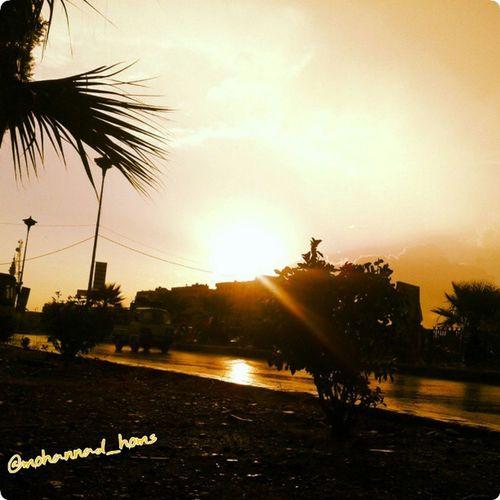 اللهم مع غروب_الشمس في هذا اليوم .. نسألك نصراً و عزاً و تمكيناً لأمةٍ نَهشَ الذُل من لحمها ، وتكالبَ الأعداءُ عليها ، اللهم فاشفِ صدورَ قومٍ مؤمنين .. هنا_حمص الآن :)