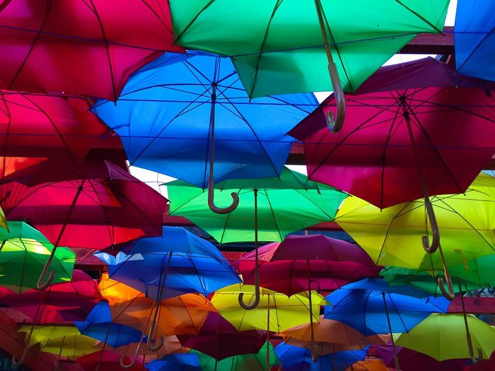 Umbrella Multi Colored Colourful Full Frame Low Angle View In A Row Variation Parasol Decoration Design Side By Side Close-up Object Focus Showcase June Lieblingsteil
