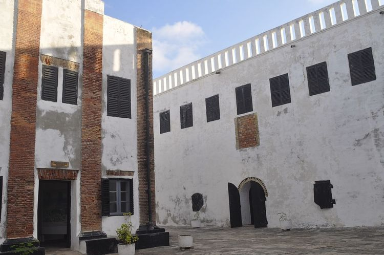 Elmira Castle, Ghana, Westafrica Africa Architecture Building Exterior Castle Colonial Power Colonial Regionn Colonialism Elmina Elmina Castle Fort Fortress Ghana GoldCoast Historical Building Historical Monuments History Slave Slave Trade Slavery