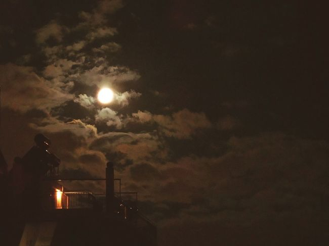 Eye4photography  EyeEm Nature Lover EyeEm Best Edits Full Moon Beautiful Nature Nightphotography Fly Me To The Moon