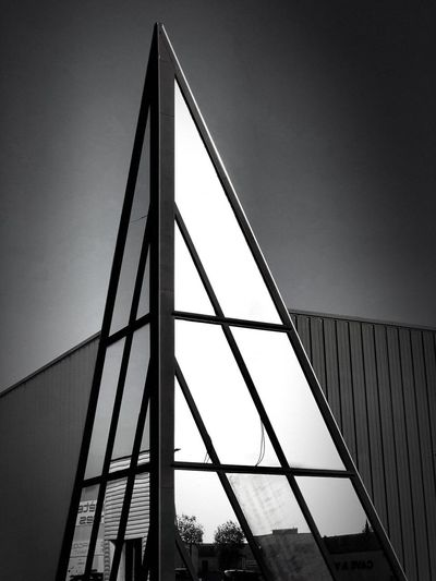 Blackandwhite Photography Architectural Detail Architecture Bnw_captures Bnw_collection Bnw_life Bnw_worldwide Built Structure Architecture Low Angle View Sky No People Metal Clear Sky Building Exterior Modern City