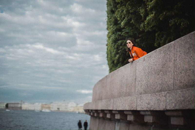 Expectation | Ожидание | Piter 2015 | Streetphotography in Saint Petersburg Spb Piter  Red Color Portrait Portrait Aabaturoff Love Girl