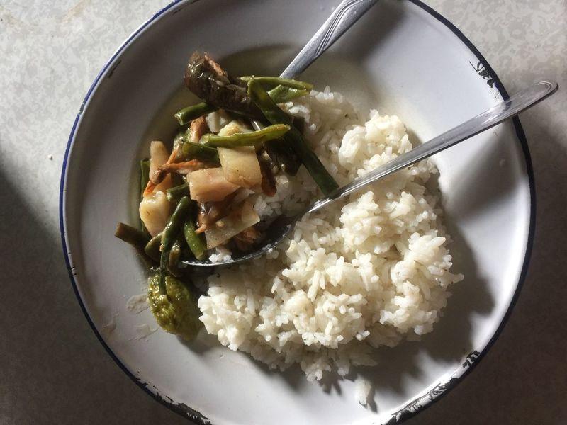 Food Plated Food Foodphotography Foodintinplate Tinplates Riceandveg Whiteplate Ricemeal Asianfood Pinakbet Paupersmeal Foodpics Riceonawhiteplate Combomeal Simplefood