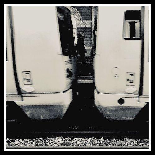Glimpse Mobilephotography IPhoneography ShotOnIphone IPhone Iphoneonly Bnw Blackandwhite Monochrome Travel Waterloo London LONDON❤ London Lifestyle Postcode Postcards Uk United Kingdom