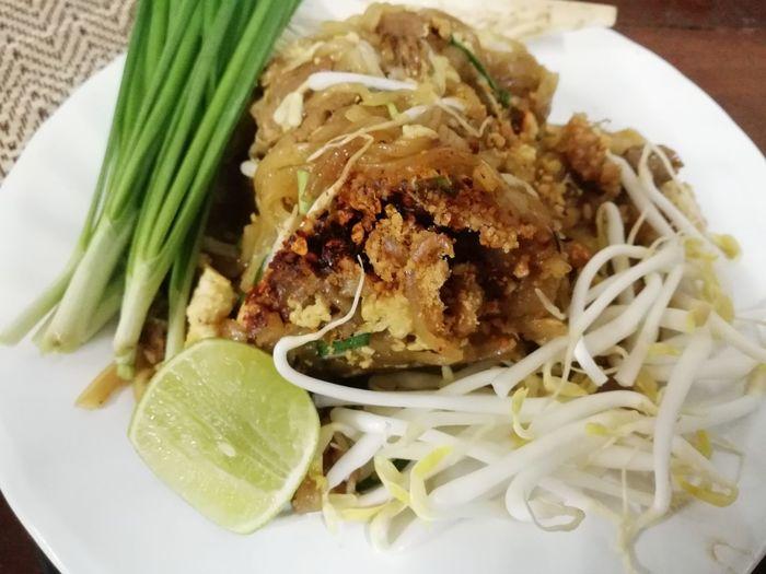 ผัดไทย😋 Thai Food Yummy Foodstyling Patthai Plate Main Course Vegetable Homemade Close-up Food And Drink Thai Food Comfort Food Serving Dish Noodles Thai Culture Food State
