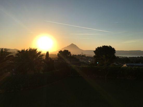 Spanish Sun Sun Sunset Tree Beauty In Nature Scenics Sunbeam Nature Tranquil Scene Mountain