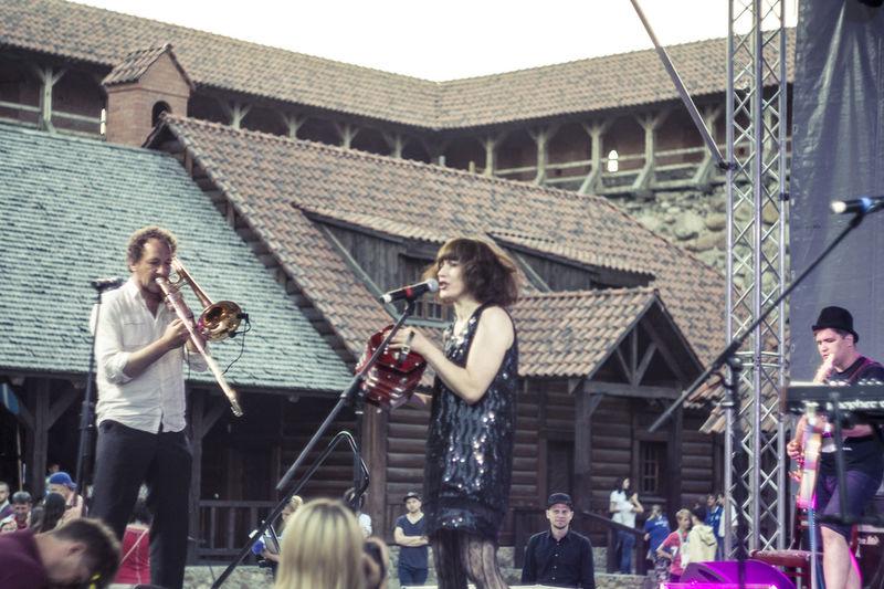 Belarus Castle Concert Enjoyment Fun Happiness Instruments Lida Person Silver Wedding Stage