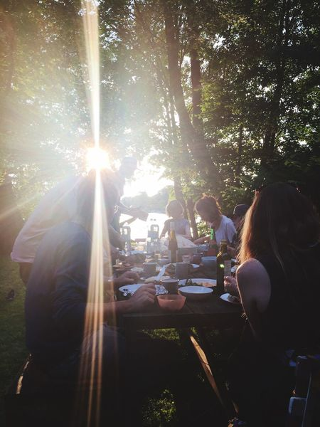 VALENTINSWERDER Relaxing Longtable Dinner Friends Eating