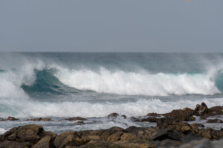 Hoffi99 Cape Verde Waves Atlantic Ocean Strong Waves Sea Wave Water Motion Power Rock Power In Nature Solid Beauty In Nature Aquatic Sport Sport Rock - Object Beach Horizon Over Water Sky Surfing Nature Land Day Outdoors Hitting Breaking Rocky Coastline